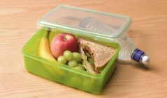 packed-lunch-ban-school-dinner-968642